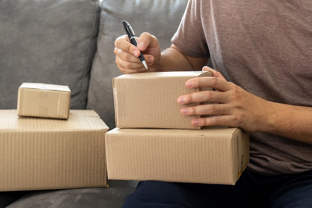 Bezorgbedrijf kleine en middelgrote onderneming (mkb) verpakkingsdoos voor werknemers