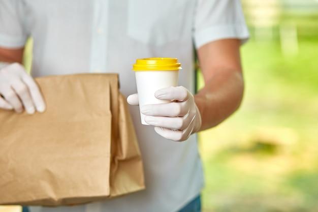 Bezorgservice onder quarantaine, ziekte-uitbraak, coronavirus
