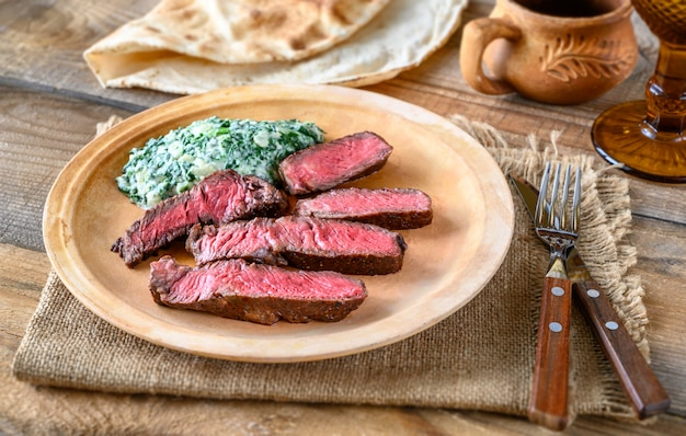 Biefstuk met romige spinazie