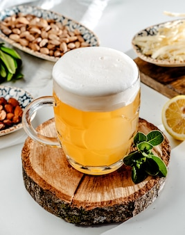 Bierpul op de tafel