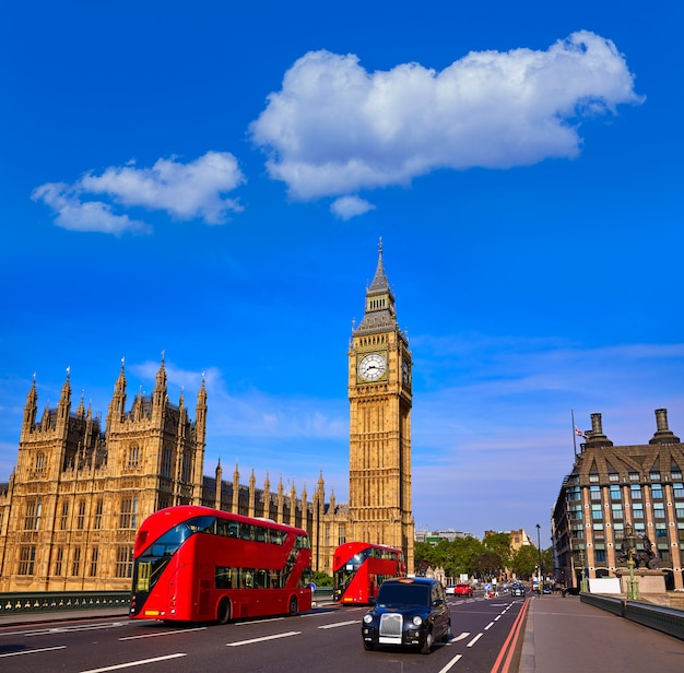 Big ben clock tower en london bus