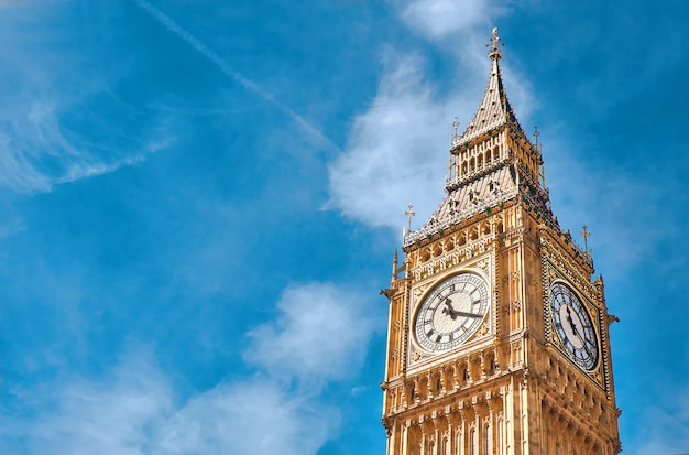 Big ben clock tower in londen, verenigd koninkrijk