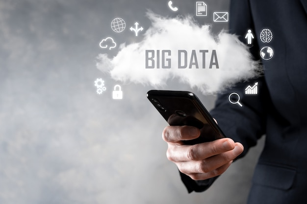 Big data.hangslot,hersenen,man,planeet,grafiek,vergrootglas,tandwielen, wolk, raster, document, brief, telefoonpictogram.
