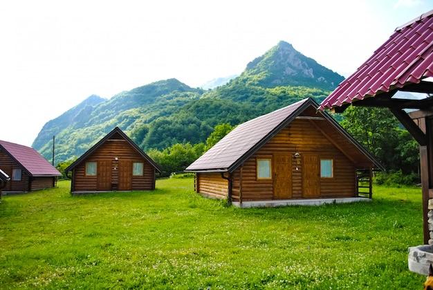 Bij een moderne constructie gebruikte houten balken
