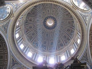 Binnen basiliek st. peter's in rome