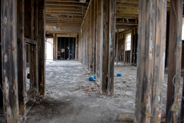 Binnen verwoest huis na orkaan katrina, new orleans, louisiana