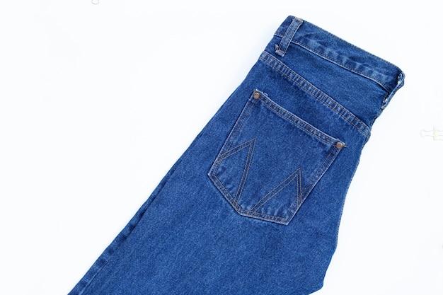 Binnenkant van jeans geïsoleerd op een witte ondergrond.