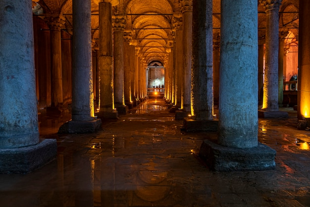 Binnenland van basilica cisterne of cisterna basilica