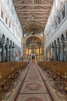 Binnenland van de basiliek van st. demetrios in thessaloniki