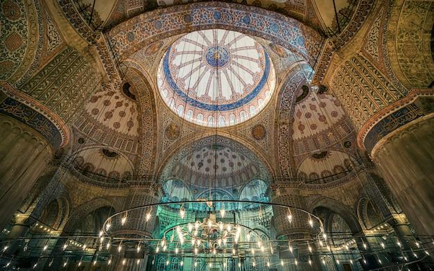 Binnenland van de blauwe moskee istanboel turkije