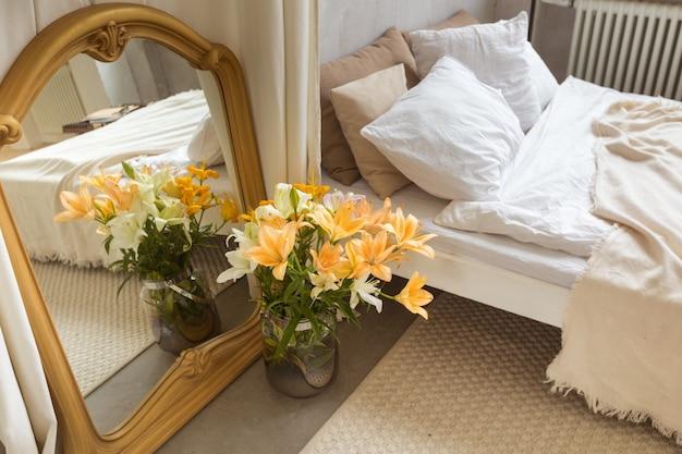 Binnenland van elegante slaapkamer thuis