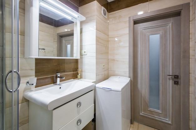 Binnenlandse foto van een moderne badkamers