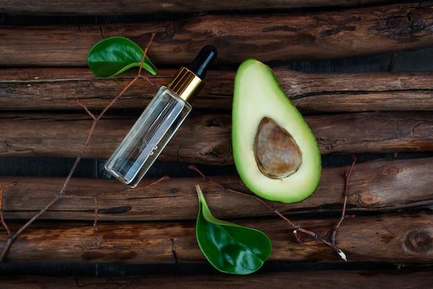 Biologische biologische cosmetica met plantaardige ingrediënten. natuurlijk extract. oliënserum, handgemaakt