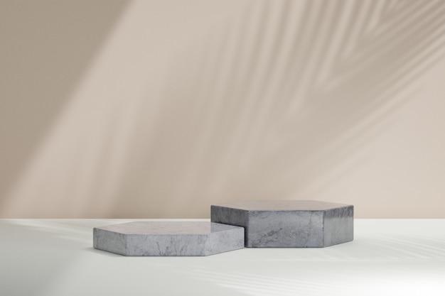 Biologische cosmetische display productstandaard, betonnen zeshoekige blokstandaard podium op bruine muurachtergrond met zonlichtschaduw. 3d-rendering illustratie