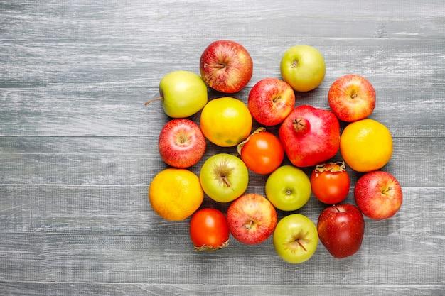 Biologische herfstfruit.