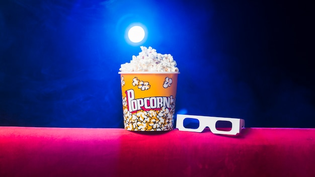 Bioscoop met popcorndoos