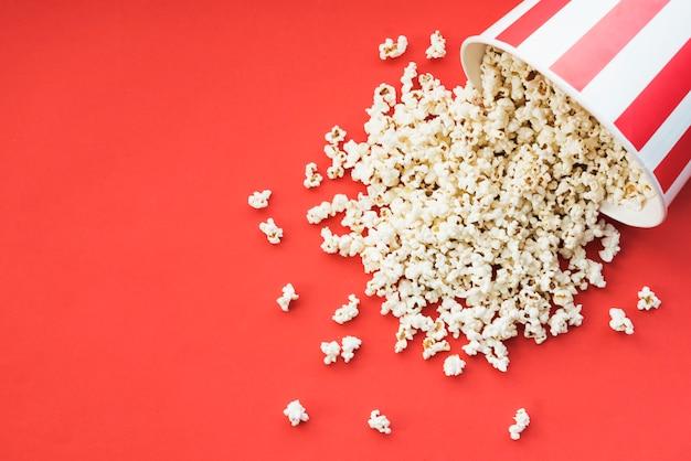 Bioskoopconcept met popcorn