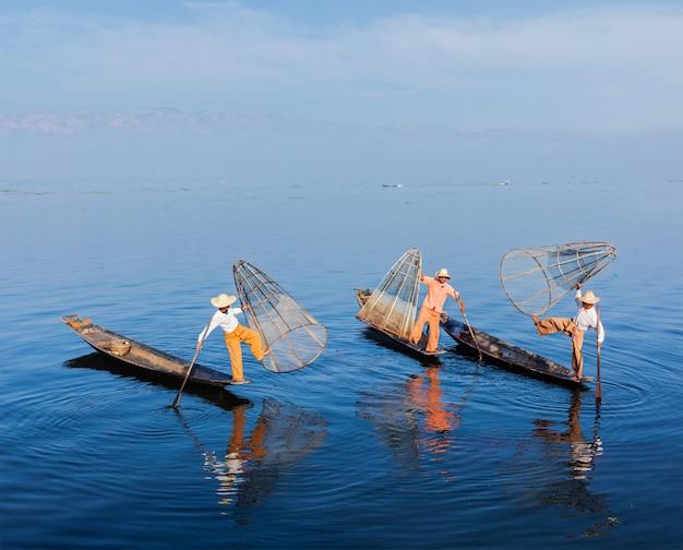 Birmaanse vissers bij inle-meer, myanmar