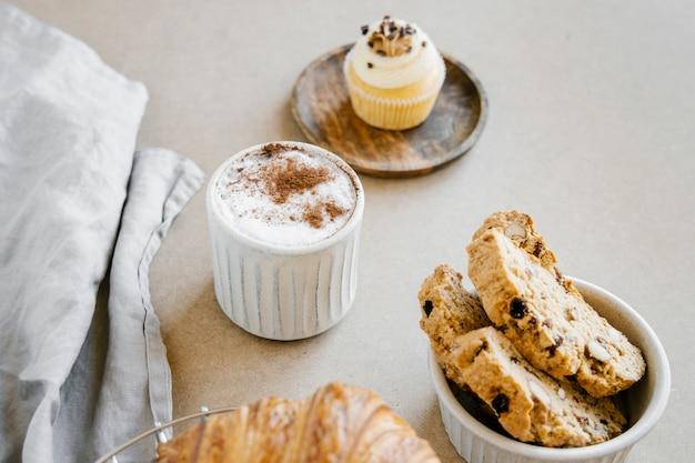 Biscottis en koffie