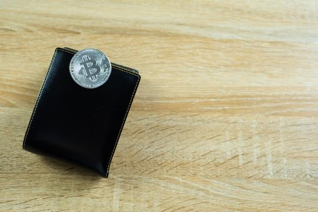 Bitcoin digitale valuta met lederen portemonnee