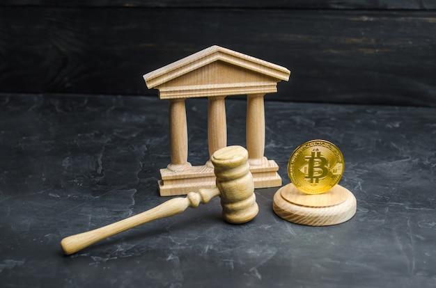 Bitcoin en het gerechtsgebouw. het concept van legalisatie van bitcoin en cryptocurrency