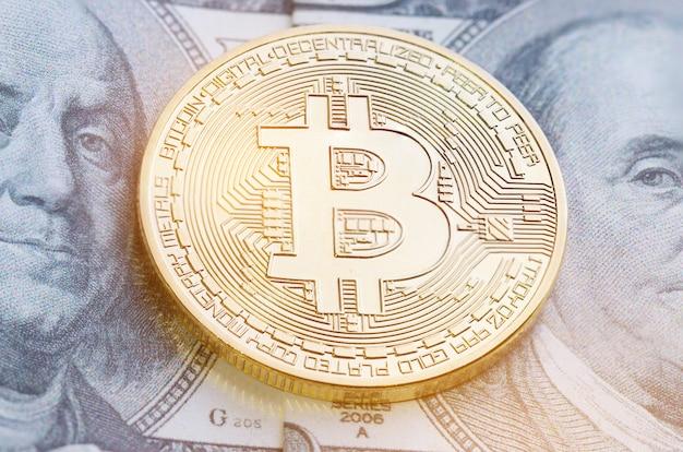 Bitcoin of cryptocurrency modern van exchange digital betaalgeld, gold bitcoins elektronisch circuit