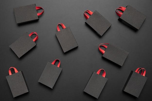 Black friday-regeling met boodschappentassen
