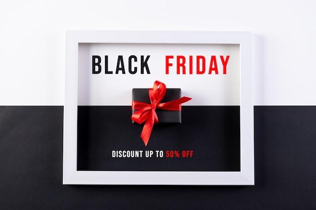 Black friday-verkoopcampagne met geschenkdoos