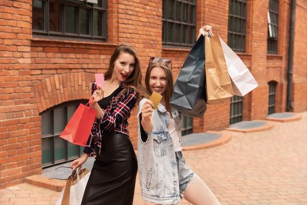 Black friday winkelen op cyber maandag verkoop concept.