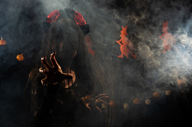Black widow sluier geest meisje dekking gezicht vers wond