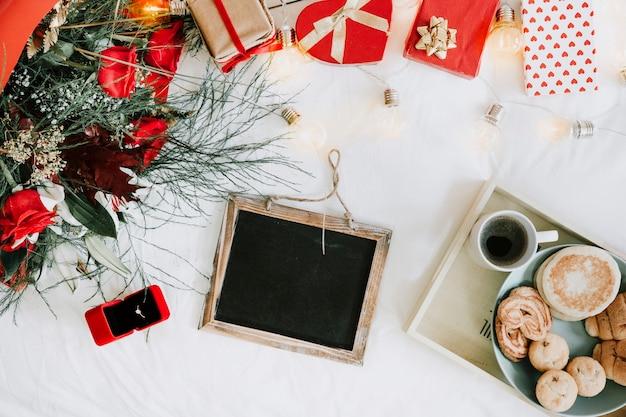 Blackboard en dingen voor een romantisch voorstel