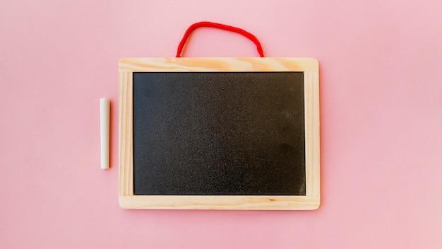 Blackboard in frame met krijt