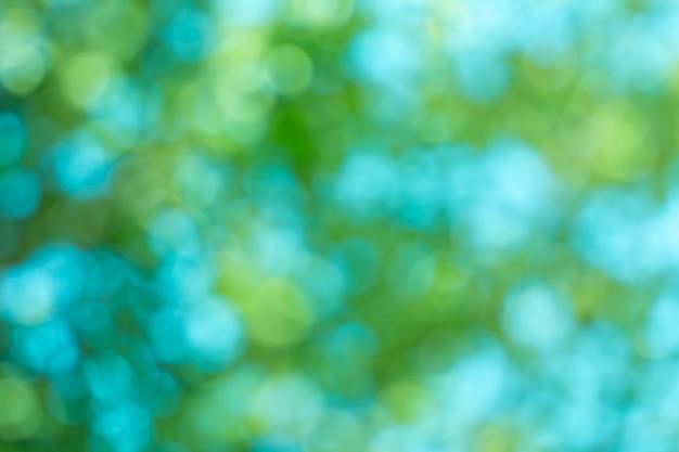 Bladeren bokeh voor aardachtergrond