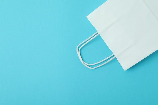 Blanco papieren zakken op munt
