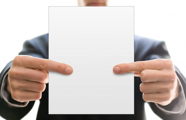 Blanco visitekaartje in handen van zakenman