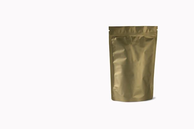 Blanco zwart, wit of ambachtelijke doy pack set, staande geïsoleerd, 3d-rendering