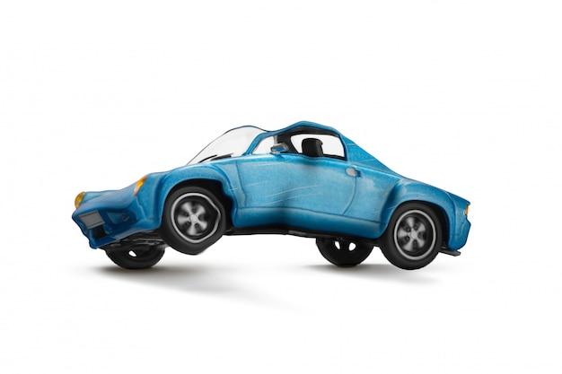 Blauw autoongeval met schadecène vervoer en verkeersongevalconcept