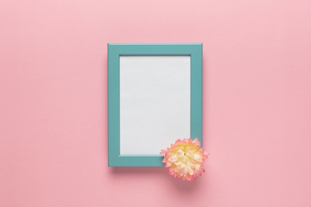 Blauw frame met bloem