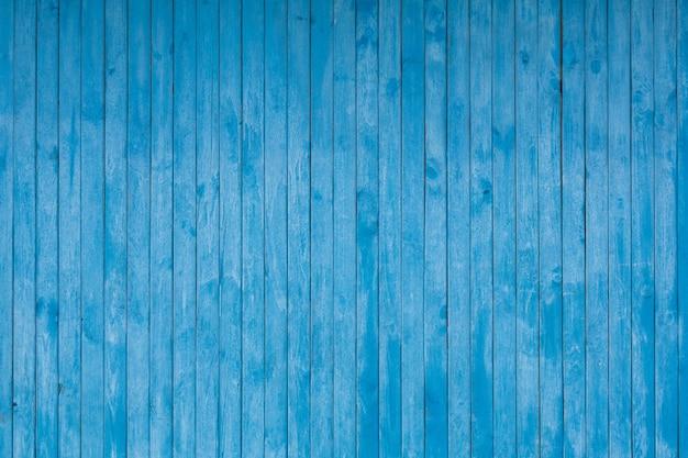 Blauw gekleurde verticale planken
