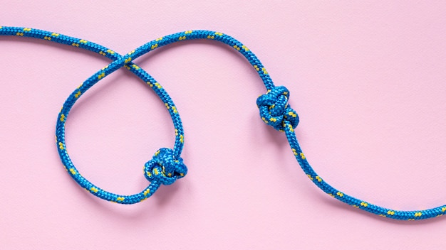 Blauw met gele stippen touwknopen