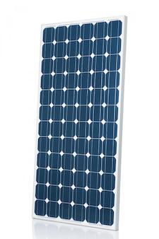 Blauw modern zonnepaneel dat op witte studioachtergrond wordt geïsoleerd