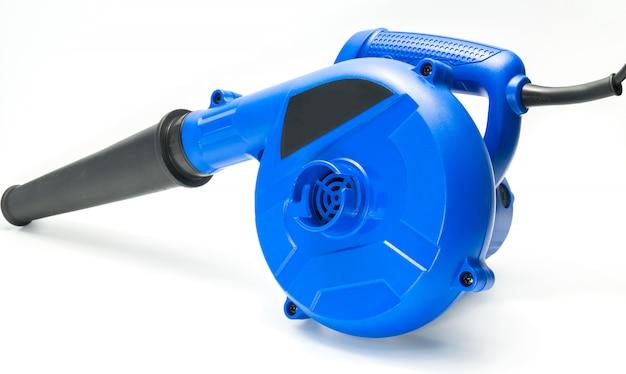 Blauw ventilatorhulpmiddel op witte achtergrond