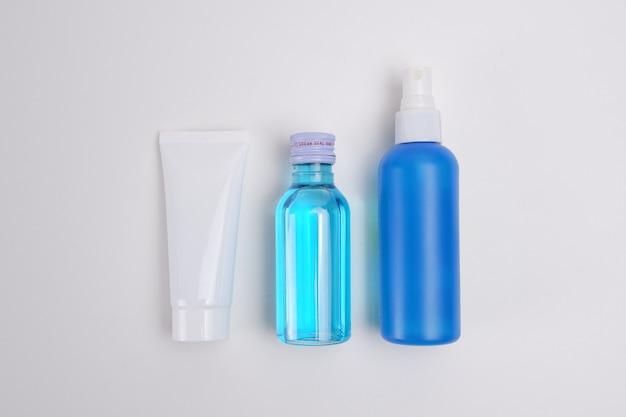 Blauwe alcoholreinigers en bescherming tegen anti-becteria tegen coronavirusziekte (covid-19)