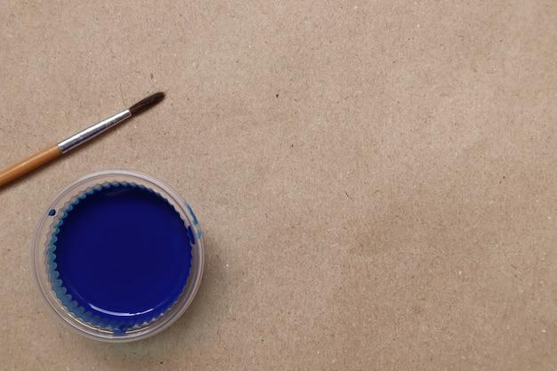 Blauwe aquarel klaar voor gebruik