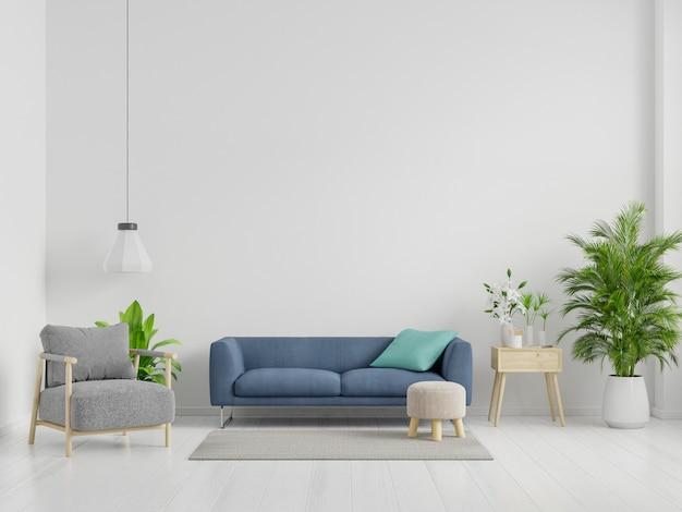 Blauwe bank en grijze fauteuil in ruime woonkamer interieur met planten en planken in de buurt van houten tafel.