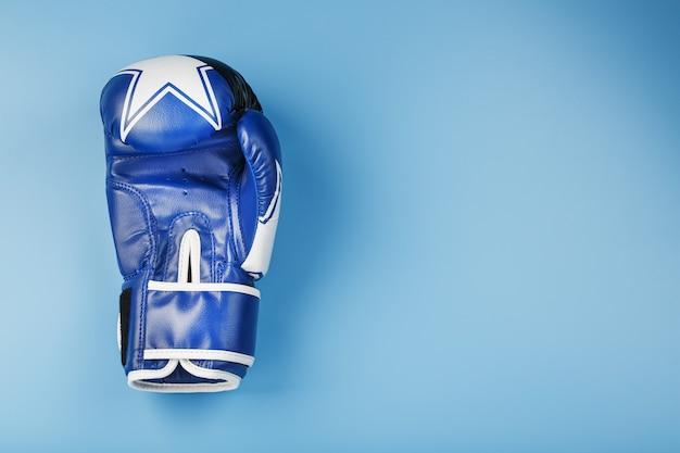 Blauwe bokshandschoen o