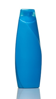 Blauwe douchegel fles geïsoleerd op witte achtergrond close-up