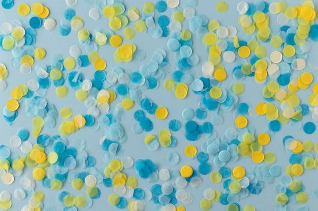 Blauwe en gele confetti