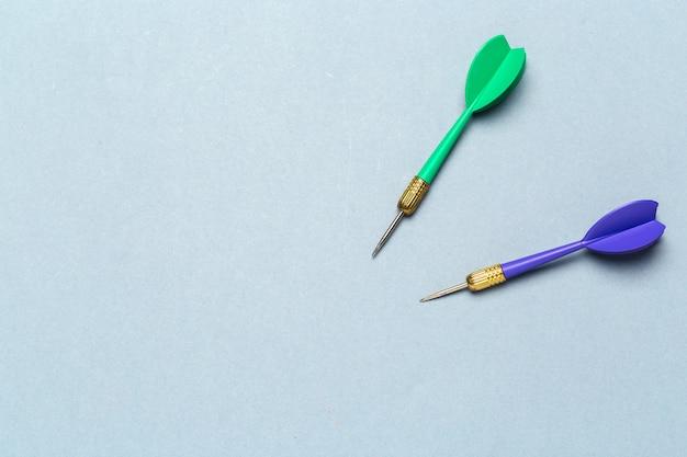 Blauwe en groene pijltjespijlen