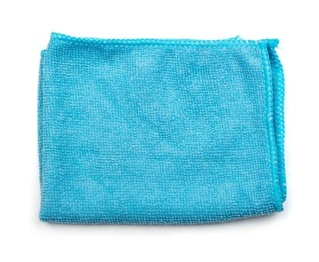 Blauwe gevouwen microfiber reinigingsdoek geïsoleerd